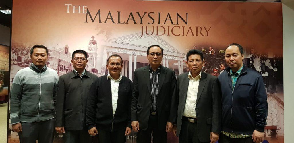 DELEGASI MAHKAMAH AGUNG BERKUNJUNG KE MUZIUM KEHAKIMAN MALAYSIA